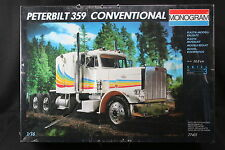 YF001 MONOGRAM 1/16 maquette camion US 77401 Peterbilt 359 Conventional truck