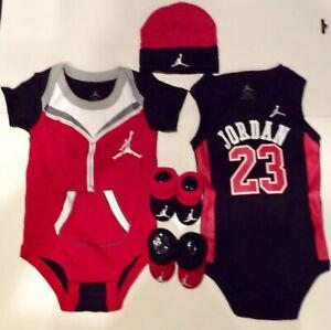 AIR JORDAN Infant BOYS 5-pc Gift set Bodysuits/Rompers, Booties & Cap 0-6 Months