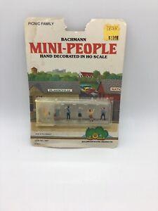 Bachmann Mini-People HO picnic family  NIP D05
