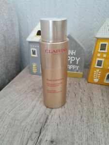 Clarins Nutri-lumiere Renewing Treatment Essence 200ml