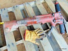 Air Pneumatic Pavement Breaker Demolition Jack Hammer 66 Lbs Tamco Toku Pb60