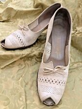 """Vintage 1940s Shoes White Florsheim Womens Peep toe perforated leather 9 3/4"""""""