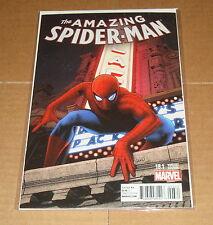 Amazing Spider-Man #18.1 Greg Land Variant Edition 1st Print