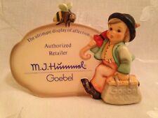Hummel 900 - Merry Wanderer Plaque w/ Bumblebee, TM 8, Still in Original Box!