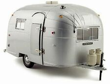 Aluminum Camper Silver Motor City 88101C 1/18 Scale Diecast Model Toy Car