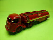 DINKY TOYS 32C PANHARD TRUCK + CITERNE TITAN - ESSO - RED - GOOD CONDITION