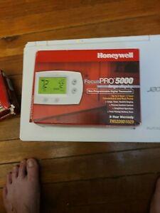 *BRAND NEW* Honeywell FocusPRO 5000 Premier Digital Thermostat - White