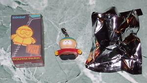 """Kidrobot South Park Series 1 Zipper Pull Cartman 1"""" Vinyl Figure Keychain 2/20"""