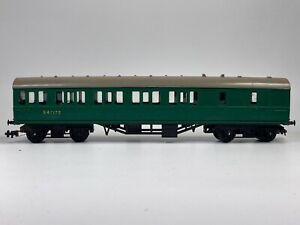 SOUTHERN REGION SR GREEN PUSH AND PULL SUBURBAN COACH S4717S TRIANG