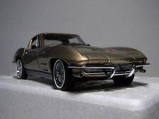 1/24 Danbury Mint  1964 Chevrolet Corvette Coupe  Limited Edition # 0904 of 5000