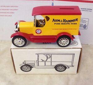1923 1/2 Ton Chevy Truck Reproduction Arm & Hammer Coin Bank 1:25  ERTL 1991