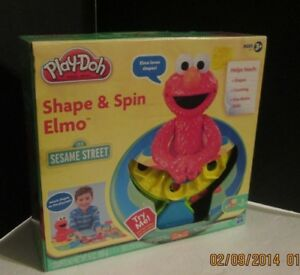 SESAME STREET SHAPE AND SPIN ELMO NEW IN BOX NEVER OPENED