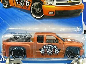 HOT WHEELS VHTF 2010 GARAGE SERIES CHEVY SILVERADO