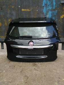 FIAT 500X TAILGATE BOOT LID IN BLACK WITH SPOILER AND INNER WORKINGS 2016-18