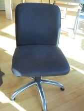 Chaises de bureau pivotantes très confortables - deux
