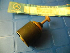 Mercedes Benz OM616 OM617 M110 oil filter thermostat regulator 300D 240GD 280CE