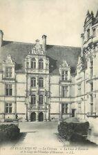 37 AZAY-LE-RIDEAU CHATEAU COUR D'HONNEUR ET CAGE DE L'ESCALIER LL