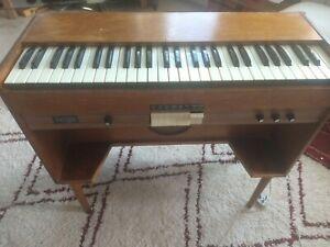 Vintage Chord Organ