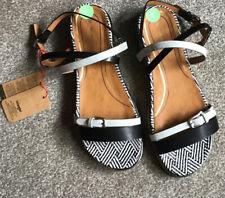 Wrangler Strappy Sandals Size 7