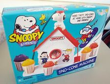 Vintage Snoopy & Friends Sno Cone Machine Peanuts Gang Hasbro - original package