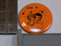 Love is a Winning Hand Kiro Couple Pin Vintage Old Metal Button Round Pinback