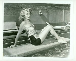 "SHELLEY WINTERS SEXY SWIMSUIT PHOTO ""A DOUBLE LIFE"" PIN-UP"