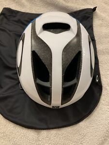 Oakley Ar05 Helmet Mips Size Small White And Blue