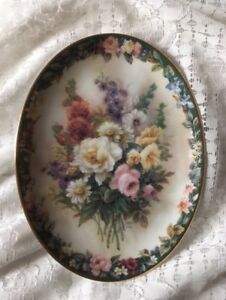 """Lena Liu's Floral Cameos Limited Edition Plate """"Remembrance""""  1996 1st Edition"""