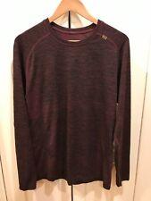 Men's Lululemon Long Sleeve Shirt.  Size L.  PRISTINE !
