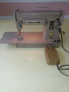 Vintage Singer 301A Long Bed Sewing Machine With Foot Pedal, TESTED