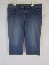 L.L. Bean Straight Fit Zip Blue Denim Capri Pants Jeans Women's 20 Reg - EE219