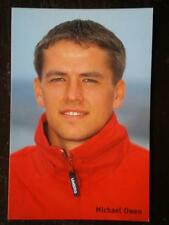 POSTCARD B45 SPORT MICHAEL OWEN - CLOSE UP IN RED TRACKSUIT