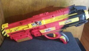 Power Rangers Jungle Fury Water Toy Blaster Disney 2005 Pump Action