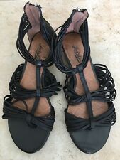 NWOB LUCKY BRAND Women's Flat Gladiator Leather Sandals Shoes - Size 6