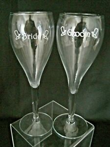 Bride and Groom Champagne Toasting Glasses Western Cowboy Boots