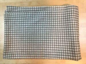 YORK WOOLENS Rug Hooking Wool Fabric Houndstooth Light Brown BRAND NEW One Yard
