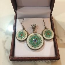REDUCED*Stunning marble precious stone inlaid pendant & earrings set *Brand new*