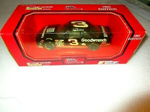 Racing Champions 1:24 Dale Earnhardt  #3 Goodwrench Chevrolet Mom & Pop 1993