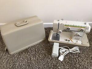 Janome Novum 1000 Sewing Machine