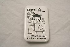 VINTAGE 3'' BY 2'' LOVE IS LETTING HIM ENJOY SPORTS PINBACK BUTTON KIM CASALI