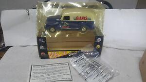"""RARE""  1995 Ertl Collectibles ""NEW YORK GIANTS"" Die-cast Metal  Bank GMC Truck"