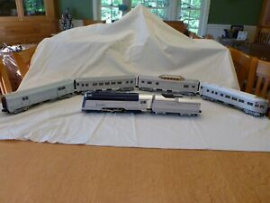 Reading Crusader Train includes Engine, Tender and 4 Passenger Cars