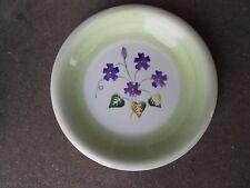 """TABLETOPS Unlimited SALUTE 11"""" Green Swirl DINNER PLATE  Purple Flowers"""