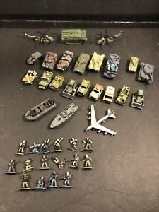 Vintage Lot 24 Galoob Micro Machines Military Boats Tanks Bulldozer & 16 Men!