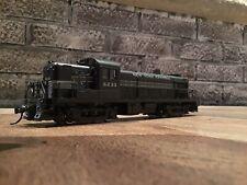 Atlas Kato HO No. 8012 RS-3 Diesel Locomotive New York Central NYC No. 8233 LN