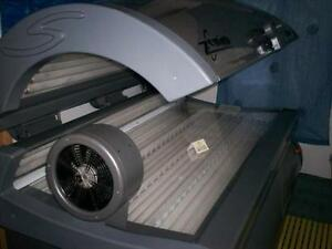 Sunquest Zenith Sunbed Excellent Cond. 3 Beds Available.  71 x Brand NEW Lamps