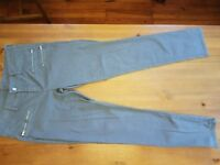 rue21 GRAY SKINNY JEANS WITH ZIPPER POCKETS Size 9 /10