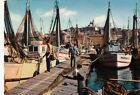 MARSEILLE un coin du vieux port et notre-dame-de-la-garde écrite 1966