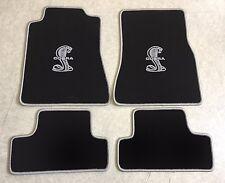 Autoteppich Fußmatten für Ford Mustang Cobra Shelby 2005-2012 schw. silber Neu