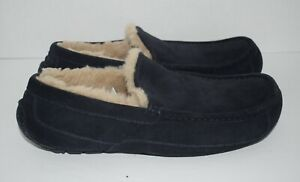 Ugg Men's Ascot Dark Blue Suede Loafer Slippers Sheepskin Lining sz. 11